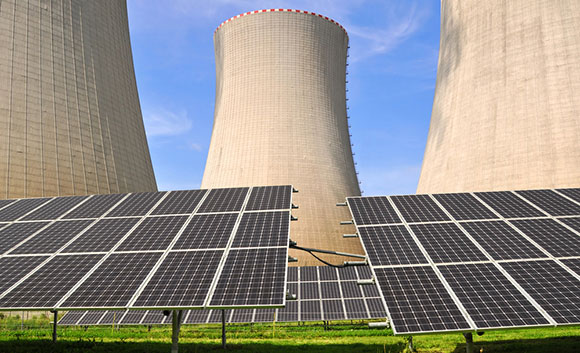 SolarPanelNuclearReactor580