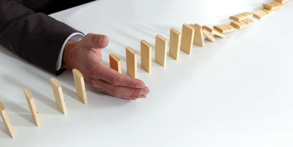 Gold dominoes