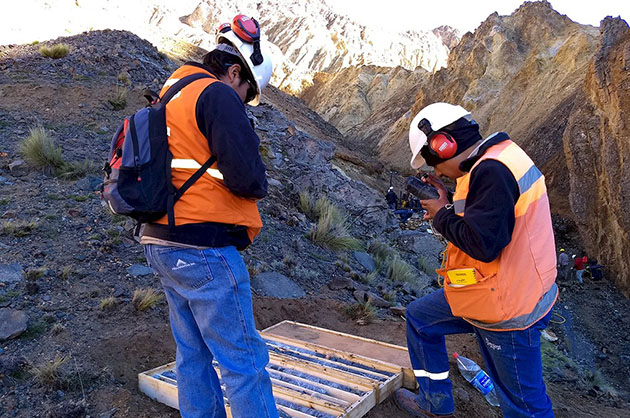 Drill cores at Centenera's Esperanza Project