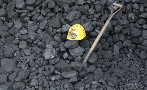 coalpileshovel580
