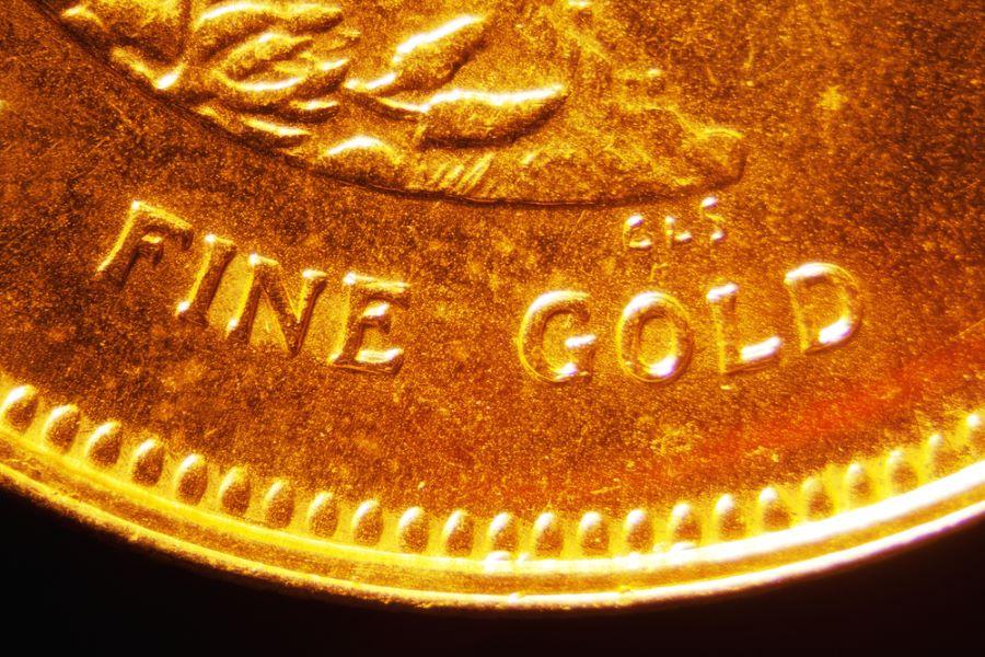 FINE gold coin crescat