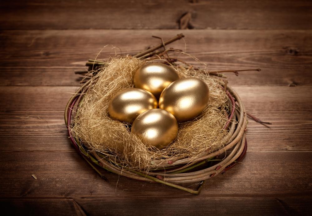 gold eggs in nest